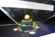 Hologrami na času fizike
