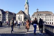 Maturanti u podnožju švajcarskih Alpa