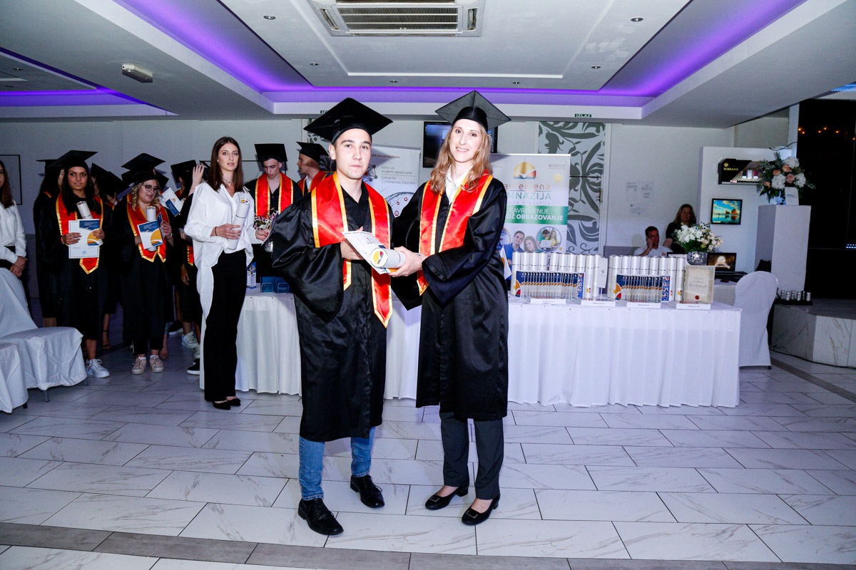 dodela_diploma_SG-003