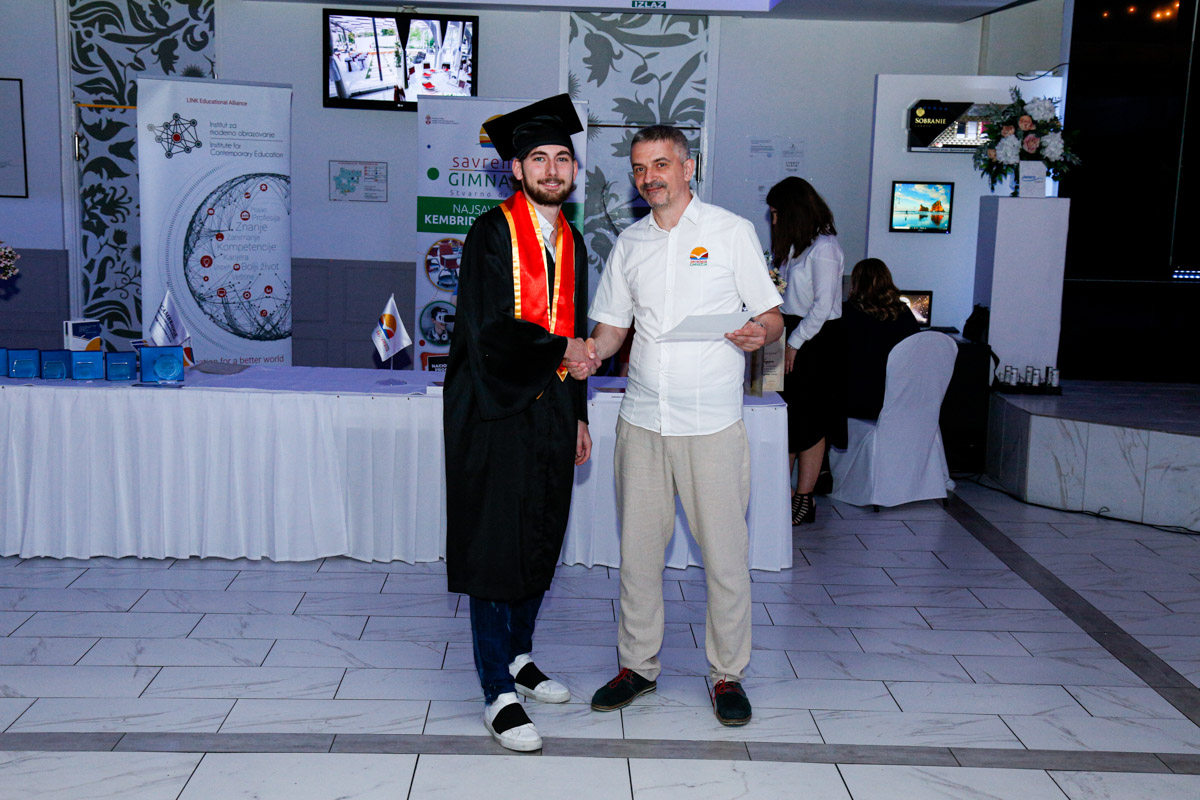 dodela_diploma_SG-075