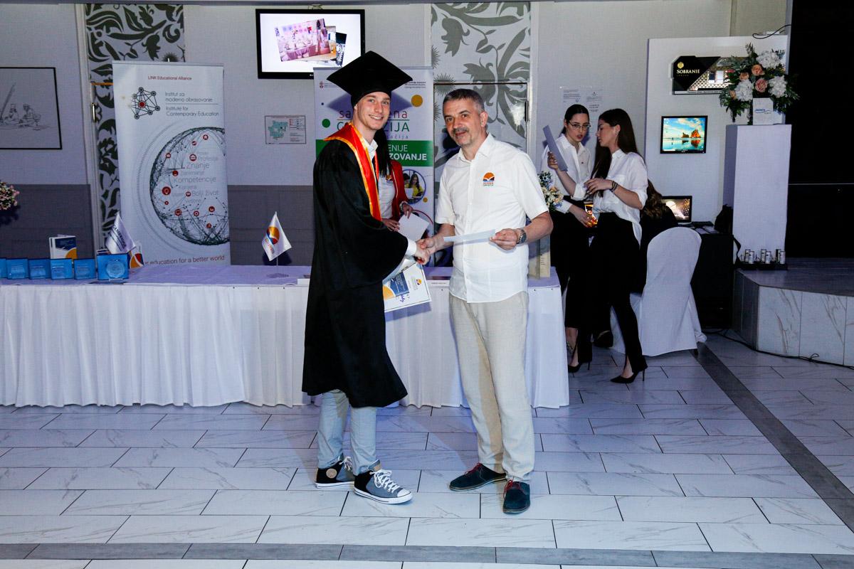 dodela_diploma_SG-077