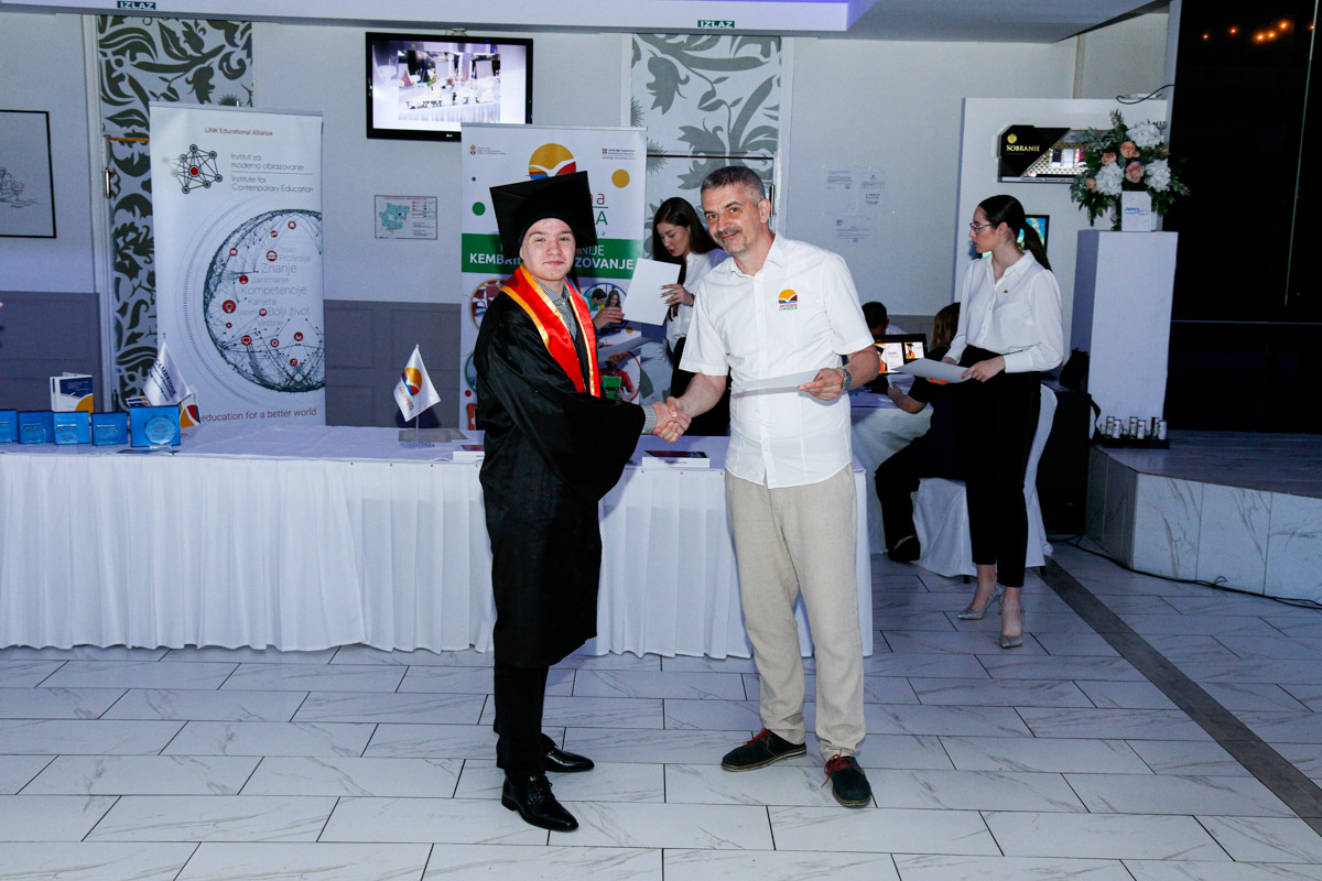dodela_diploma_SG-080