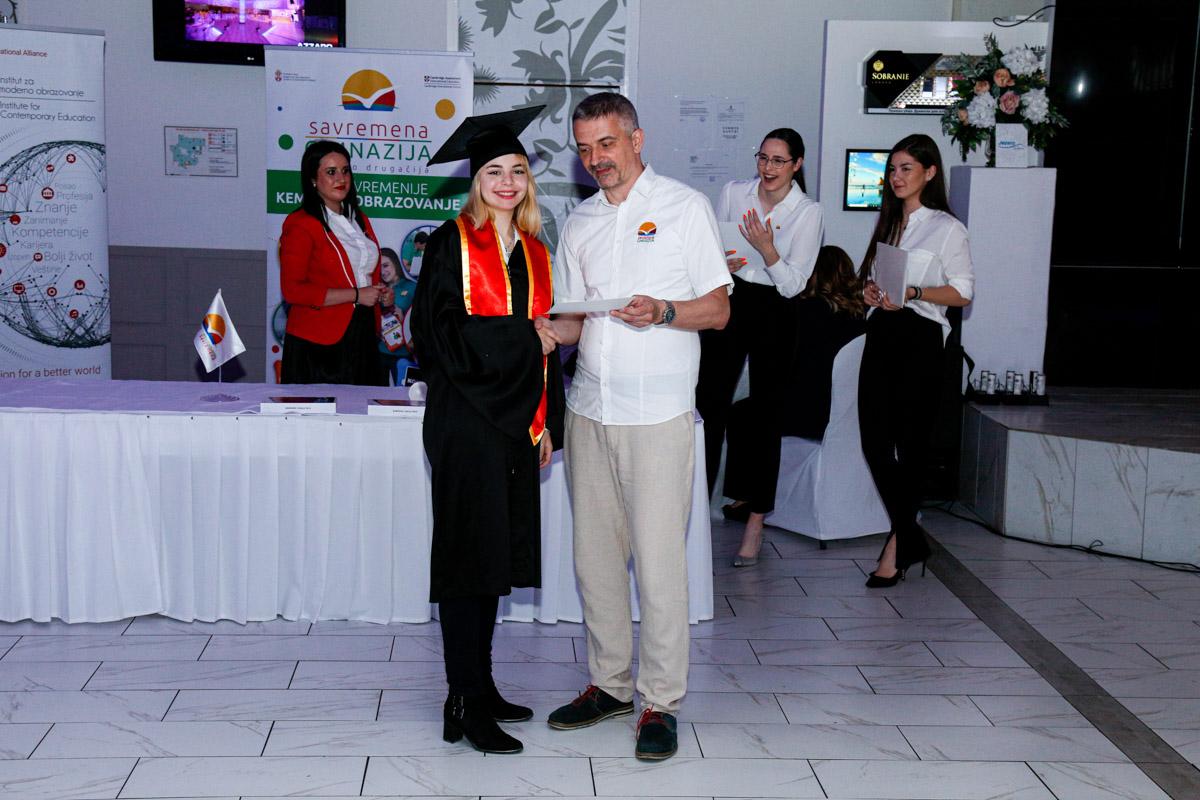 dodela_diploma_SG-085
