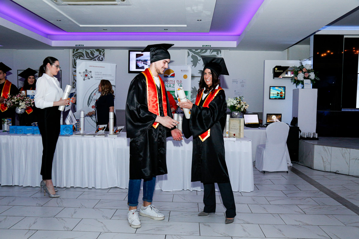 dodela_diploma_SG-104