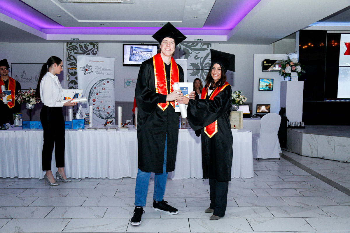 dodela_diploma_SG-106
