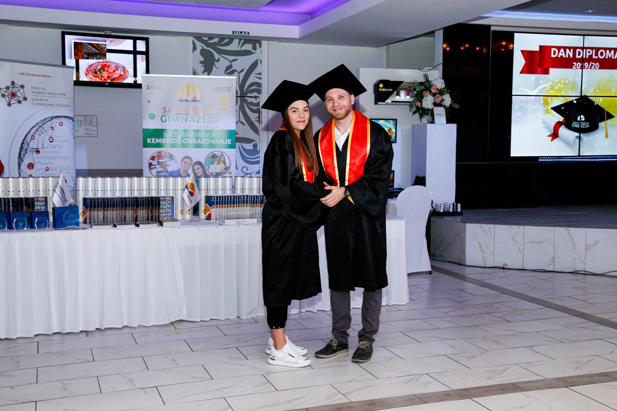 dodela_diploma_SG-121