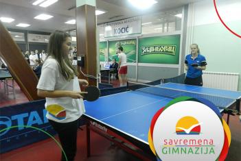 Savremene gimnazijalke treće na gradskom takmičenju u stonom tenisu
