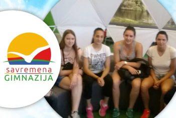 Rukometašice kluba Radnički Beograd u poseti Savremenoj gimnaziji