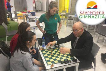 Šahovsko druženje u Savremenoj gimnaziji