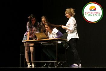 """Predstava """"Deca na internetu"""" okupila savremene gimnazijalce i učenike ITHS-a"""