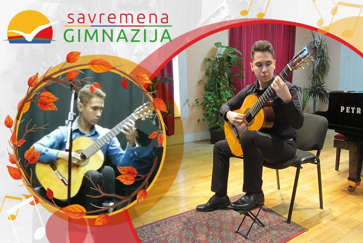 """Gitarista Nikola Milosavljević zadivio publiku na manifestaciji """"Jesen na Čukarici"""""""