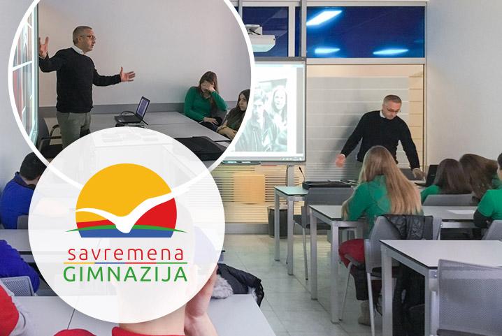 Zanimljivi susreti u Savremenoj: Učenici upoznali nagrađivanog slikara i dekana FSU – Sašu Filipovića