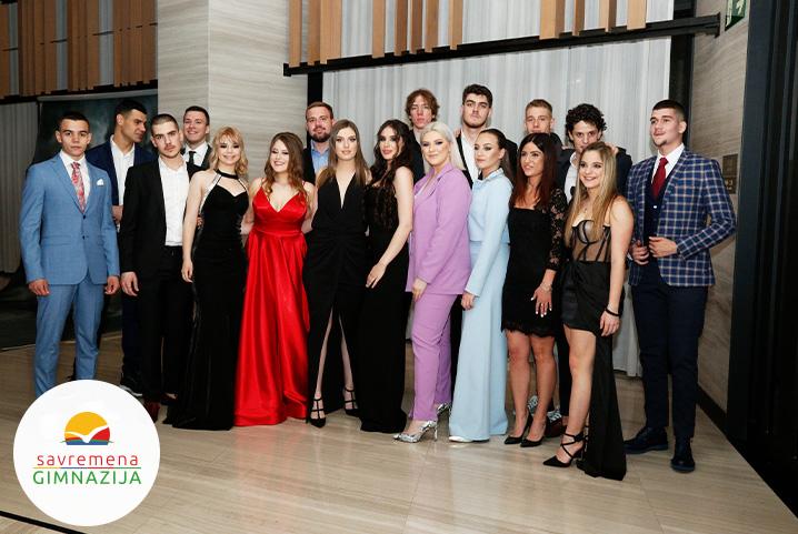 Matursko veče u Savremenoj: Svečano obeležen završetak školovanja nove generacije